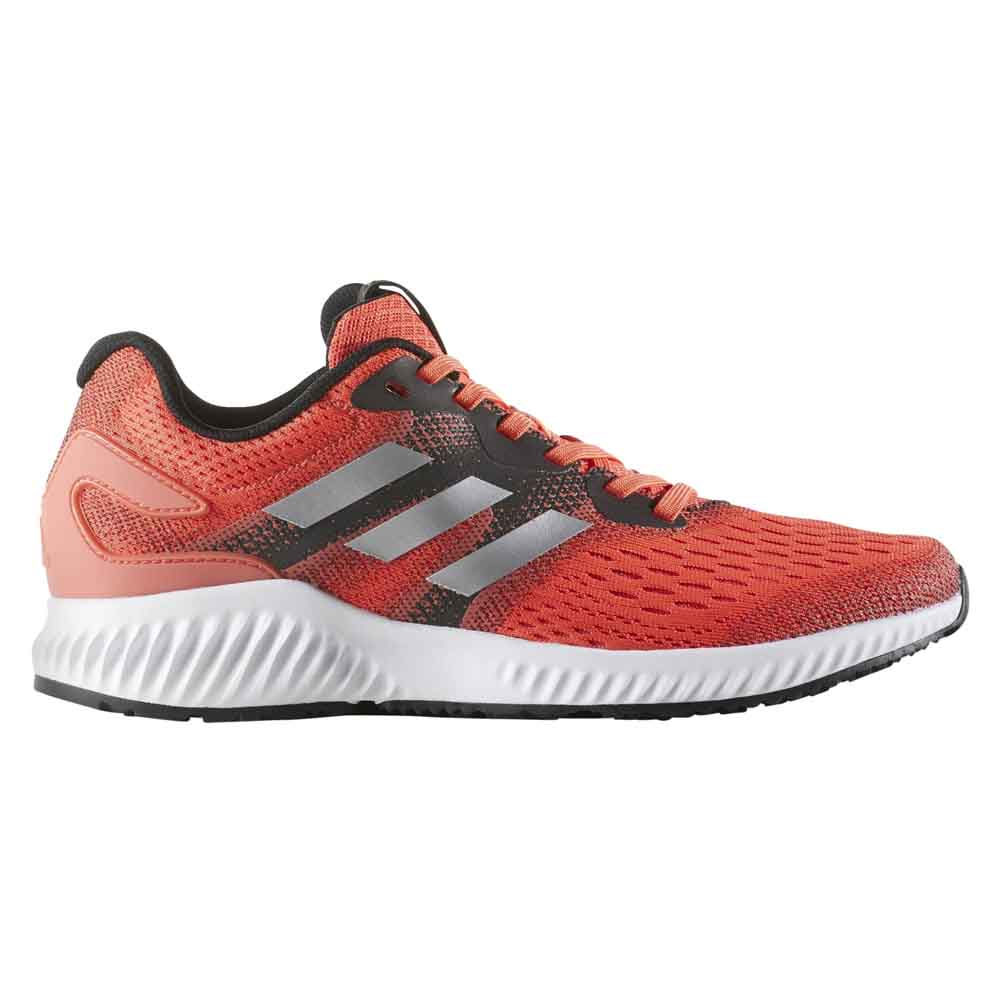 f89b8beed869 adidas Aerobounce White buy and offers on Runnerinn