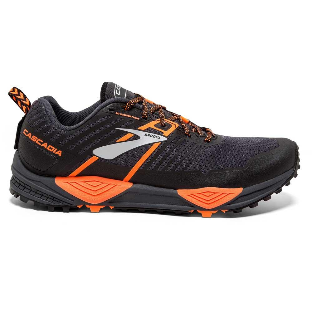 Trail running Brooks Cascadia 13