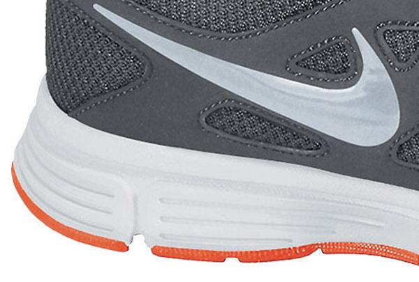 60f8547799b Nike Revolution 2 Msl buy and offers on Runnerinn
